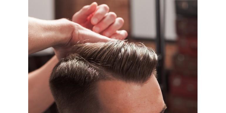 Cum să folosești pomada de păr în funcție de încăpățânarea părului tău