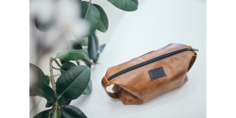 Travel Must-Have Kit 10 Produse care nu îți pot lipsi din trusa personală de voiaj